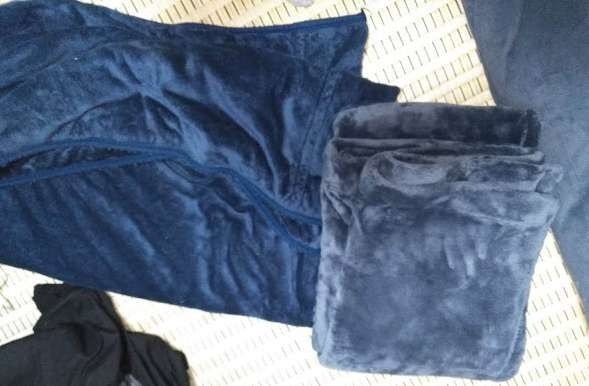 無印とニトリの毛布比較
