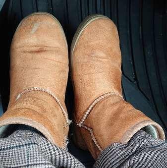 傷んだブーツ